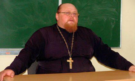 В православном молодёжном клубе «Лоза» при Георгиевском храме г. Таганрога состоялась очередная встреча-беседа со священником