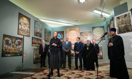 Выставка «Сын Церкви», посвященная 70-летию Святейшего Патриарха Кирилла, открылась в Храме Христа Спасителя в Москве