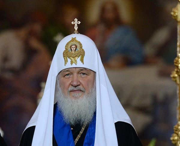 Патриарх: Нельзя издеваться над тем, во что религиозные люди верят