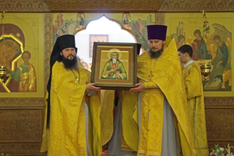 Состоялась торжественная передача иконы с частицей мощей святого праведного Павла Таганрогского в Камчатскую епархию