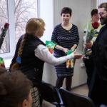 Клирик Свято-Никольского храма г. Таганрога поздравил сотрудниц и студенток института имени А.П. Чехова с Днем матери