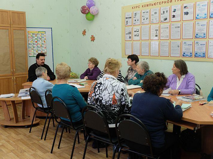 Состоялась встреча настоятеля Серафимовского прихода г. Таганрога с подопечными Центра социального обслуживания пенсионеров и инвалидов