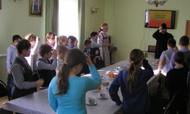 В воскресной школе Магдалининского храма с. Андреево-Мелентьево прошел Рождественский урок для школьников
