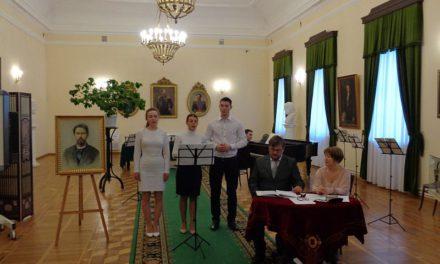 Молодёжь из православного клуба «Лоза» приняла участие в торжественном вечере, посвящённом памяти А.П. Чехова
