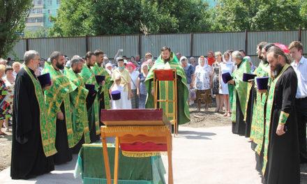 В Таганроге в день памяти святого Серафима Саровского состоялась закладка Серафимовского храма