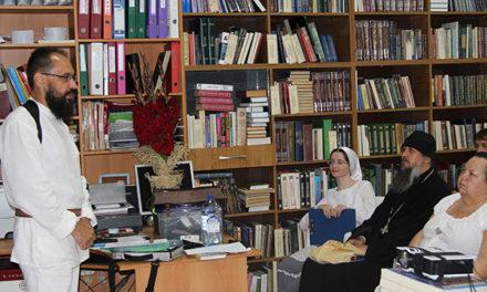 В Центре семьи и молодежи Таганрогского благочиния состоялась встреча с исследователем и исполнителем древнерусского богослужебного пения Глебом Печенкиным