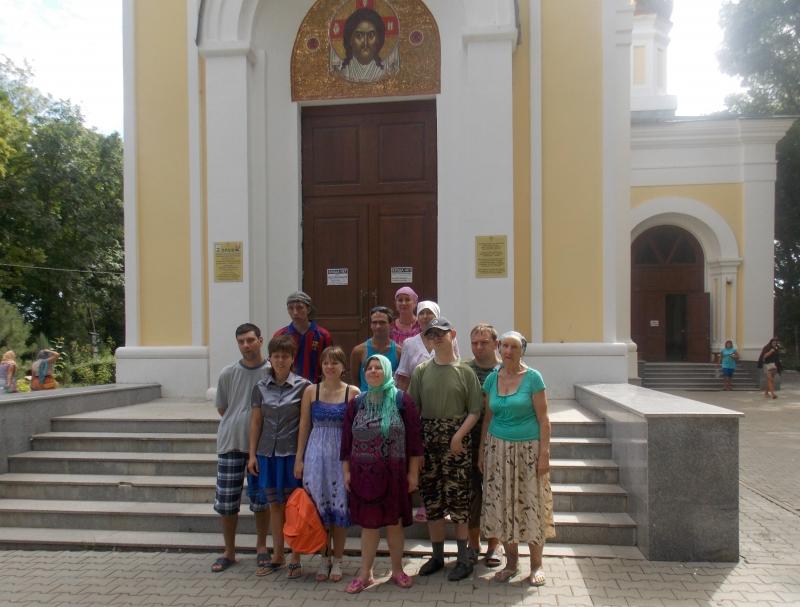 Сестры сестричества во имя блж. Ксении Петербургской с подопечными совершили паломническую поездку в с. Петровка