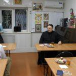 Настоятель Сергиевского храма Таганрога встретился с участниками приходского молодежного клуба