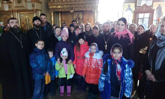 Прихожане и ученики воскресной школы ростовского Пантелеимоновского храма совершили паломническую поездку по святым местам Таганрога