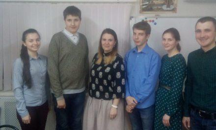 В Сергиевском храме Таганрога прошла встреча молодежи, посвященная житию Иоанна Златоуста