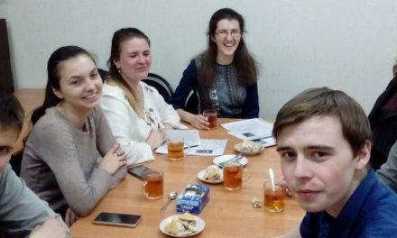 В молодежном клубе «Маяк» очередную беседу посвятили «Постным письмам» архимандрита Саввы (Мажуко)
