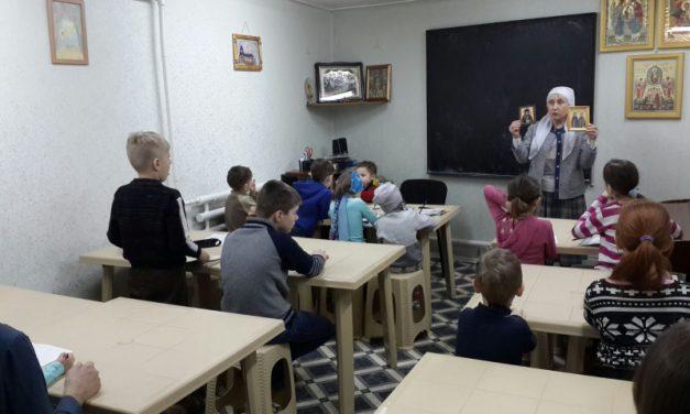 В городском приходе Рождества Пресвятой Богородицы прошли мероприятия, посвященные Дню православной книги