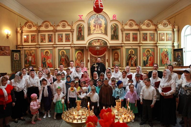 На приходах Таганрогского благочиния прошли празднования дня свв. Жен-мироносиц