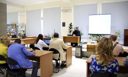 В Политехническом музее ИТА ЮФУ состоялась лекция диакона Георгия Канчи для преподавателей