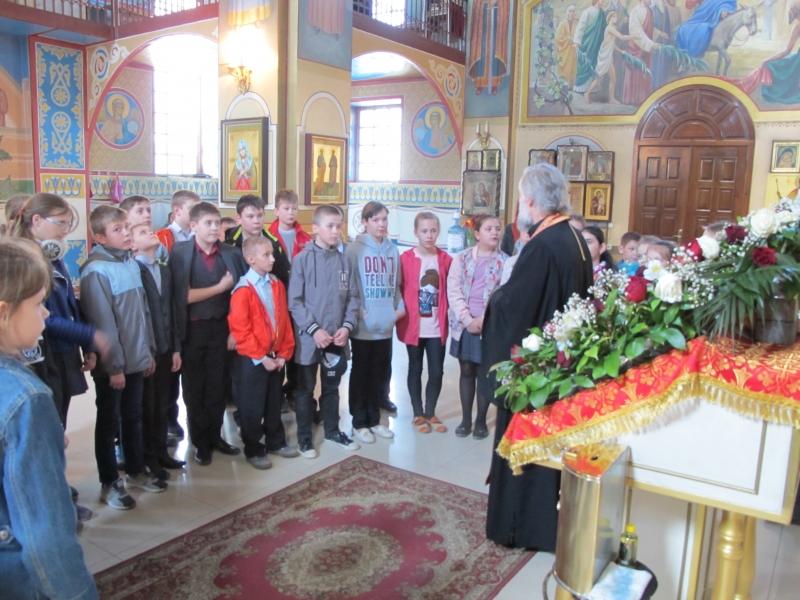 Ученики средней школы № 31 Таганрога посетили храм Иерусалимской иконы Божией Матери