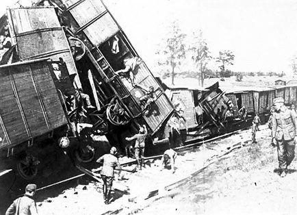 Крушение немецкого военного эшелона, организованного одним из отрядов партизан