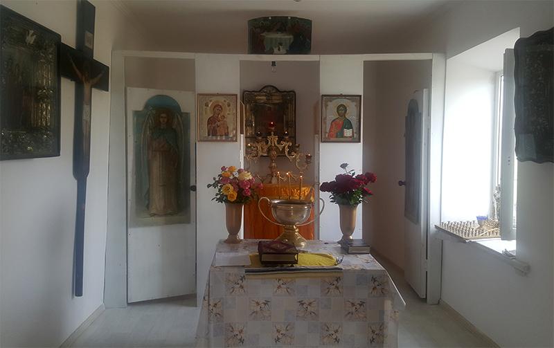 Настоятель Покровского храма с. Покровское освятил молитвенную комнату в слободе Советка