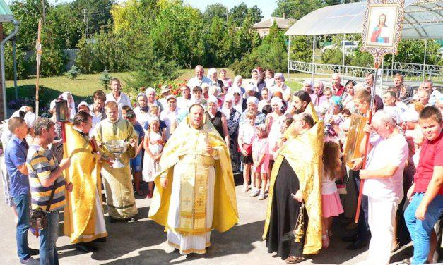 Магдалининский храм с. Андреево-Мелентьево Таганрогского благочиния отметил престольный праздник
