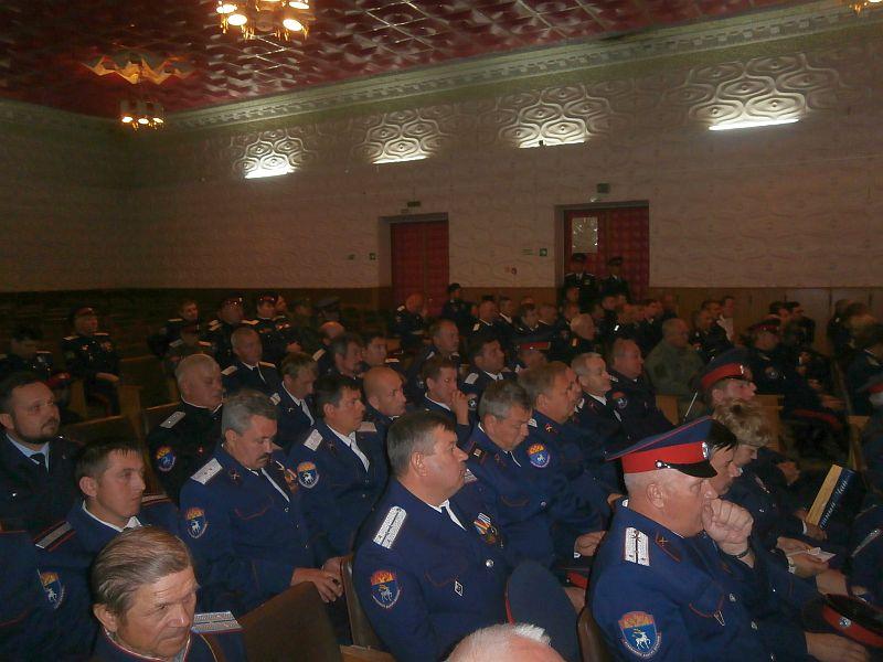 Духовники Таганрогского казачьего округа приняли участие в отчетно-выборном круге