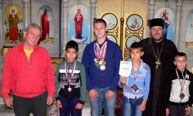 Воспитанники спортивного клуба «Преображение» стали победителями Открытого первенства Таганрогского казачьего округа по боксу