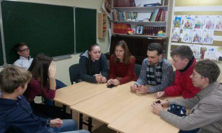 В день празднования Казанского образа Божьей Матери в клубе «Лоза» состоялся просмотр фильма «Время первых».