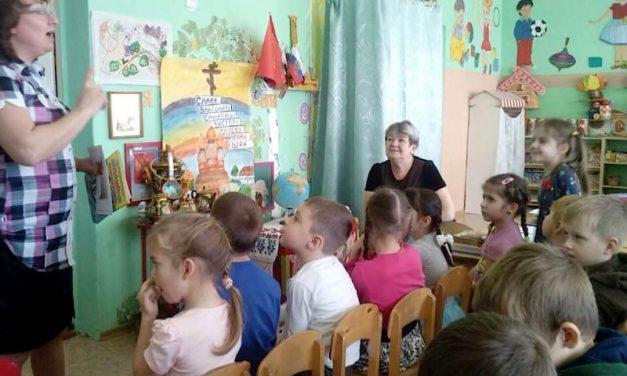 В старшей группе детского сада села Андреево-Мелентьево проходят уроки духовно-нравственного развития по программе «Добрый мир»
