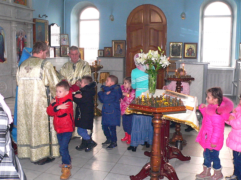 В Магдалининском храме с. Андреево-Мелентьево причастились Святых Христовых Таин воспитанники сельского детского сада