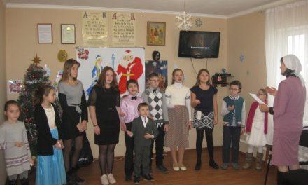 В воскресной школе храма свв. первоверховных апостолов Петра и Павла состоялся Рождественский концерт