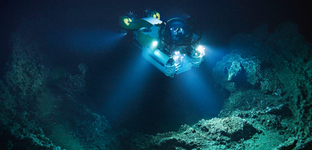 A submersible descends into a volcanic vent off Las Gemelas seamount.