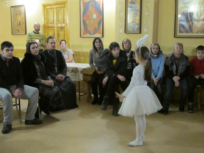 В храме Иерусалимской иконы Божией Матери г. Таганрога состоялось литературно-музыкальное выступление «Ангелы»