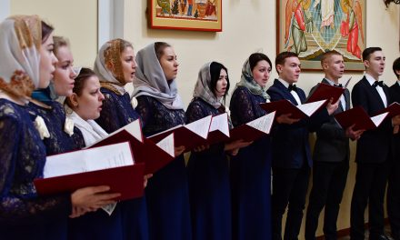В Никольском храме выступил камерный хор Таганрогского института имени А.П. Чехова