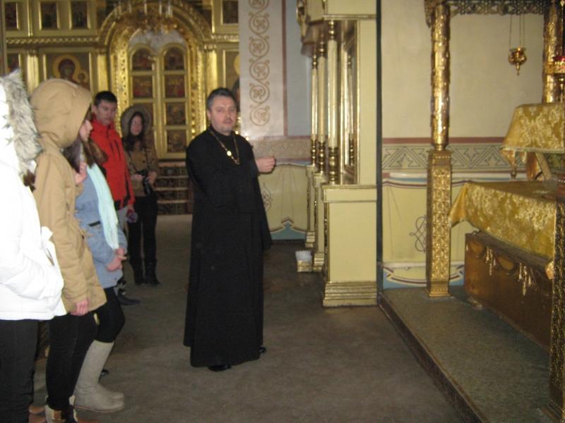 Настоятель Вознесенского прихода с. Новобессергеневка провел выездное занятие со студентами таганрогских вузов