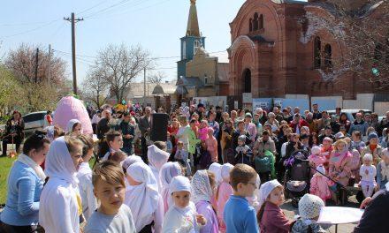 В Георгиевском храме в день свв. Жен-мироносиц состоялась благотворительная ярмарка в фонд строительства храма и воскресной школы