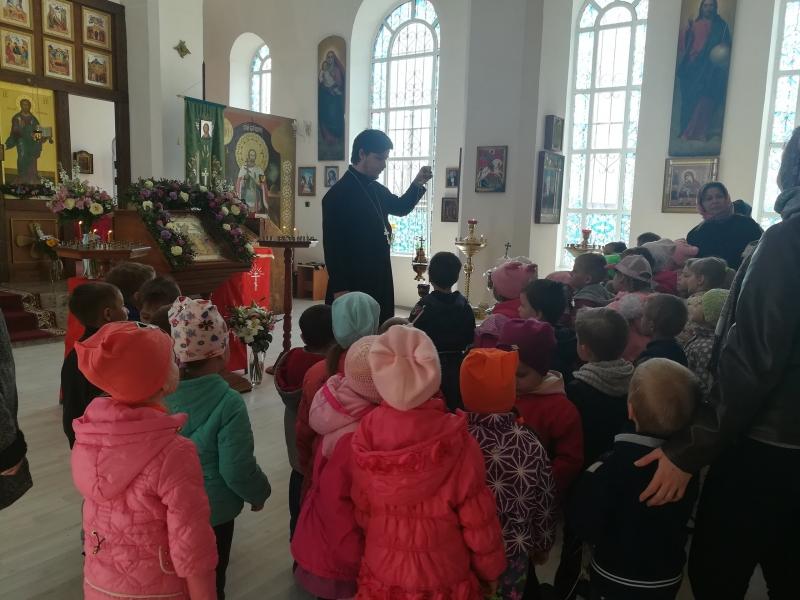 В Александро-Невском храме с. Вареновка прошла экскурсия для воспитанников сельского детского сада