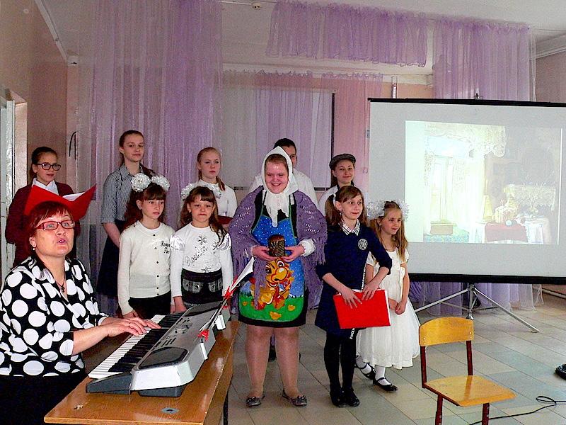 В Сарматской школе прошел Пасхальный концерт вокального хорового ансамбля воскресной школы храма св. Марии Магдалины