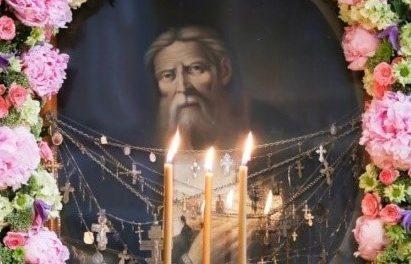 Сестры милосердия прихода Святой Живоначальной Троицы г. Таганрога совершили паломническую поездку в Дивеево