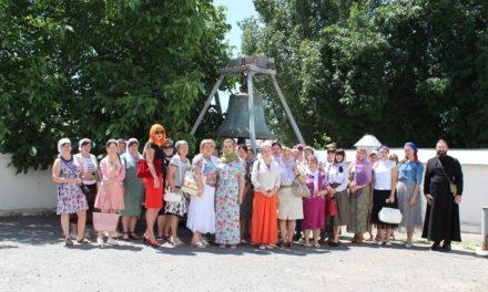 Клирики Таганрогского благочиния провели экскурсию по святым местам Таганрога для учителей общеобразовательных школ города