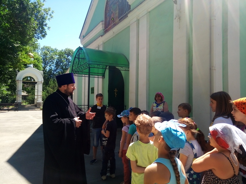 Сергиевский храм г. Таганрога в дни каникул посетили учащиеся школы № 5