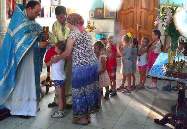 В праздник Успения Богородицы воспитанники детского сада с. Андреево-Мелентьево причастились Святых Христовых Таин в Магдалининском храме
