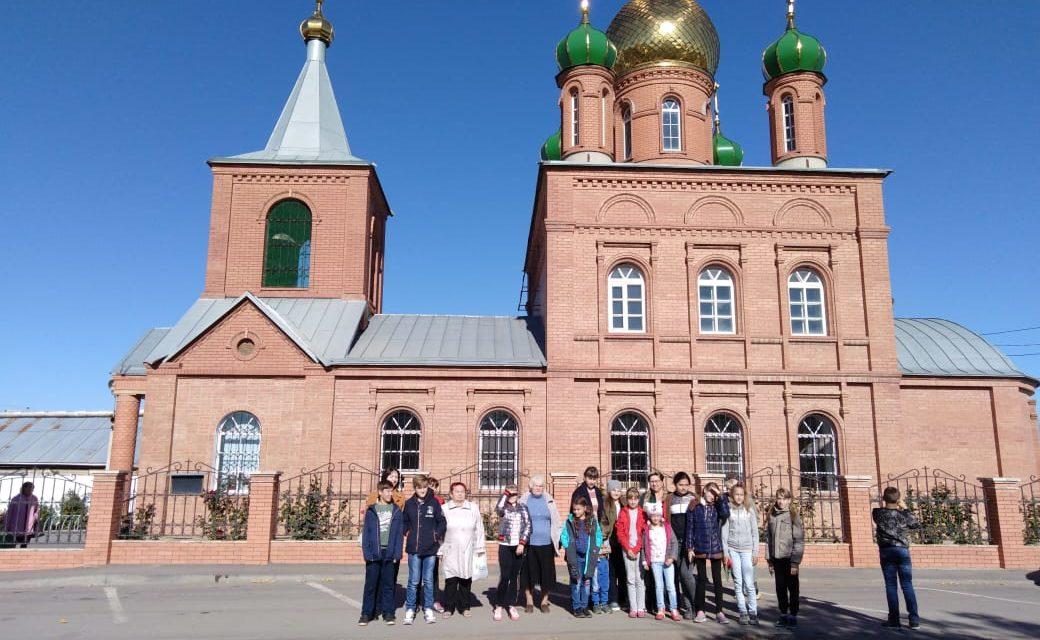Прихожане храма Всех Святых с. Синявское совершили экскурсионно-паломническую поездку в Каменск-Шахтинский