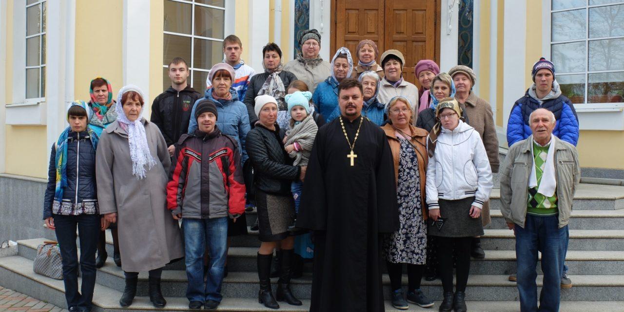 Прихожане таганрогского храма в честь Серафима Саровского посетили монастырское подворье в с. Петровка