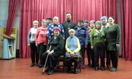 Настоятель Серафимовского храма Таганрога встретился с подопечными Всероссийского общества глухих