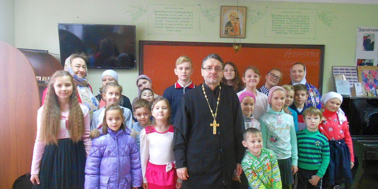В Вознесенском приходе с. Новобессергеновка состоялся утренник, посвящённый Рождественскому посту и Дню матери
