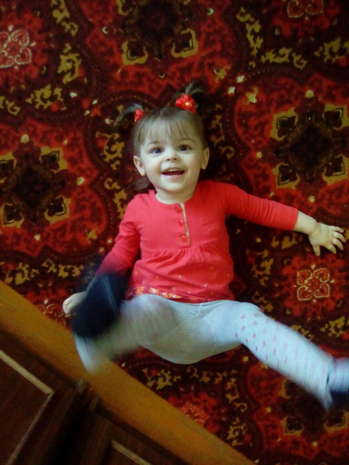 Двухлетняя Настя, дочь Оксаны