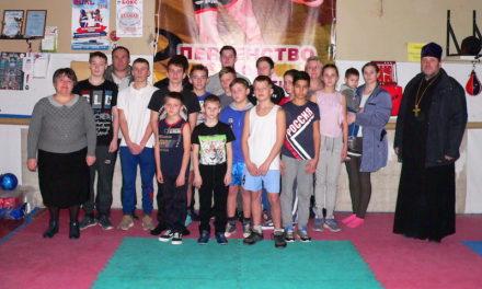 Настоятель Магдалининского храма с. Андреево-Мелентьево провел беседу с воспитанниками патриотического клуба «Преображение» и их родителями