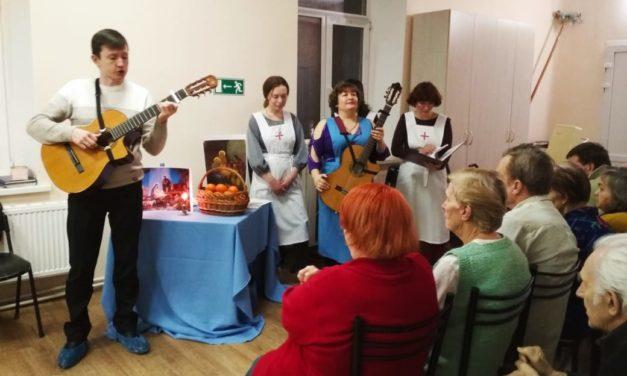 9 января сестры милосердия Елисаветинского сестричества поздравили своих подопечных с Рождеством Христовым