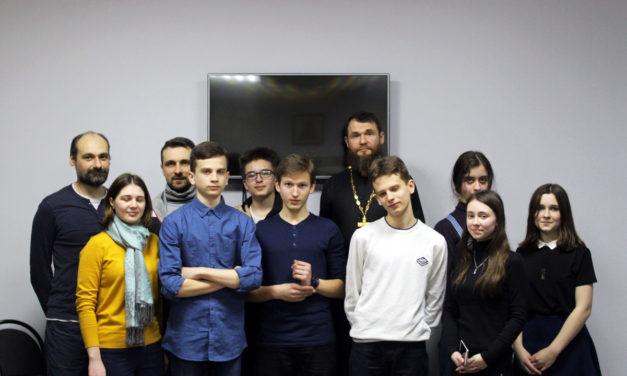 10 марта состоялась встреча молодежи таганрогского благочиния с протоиереем Алексеем Сотрутой