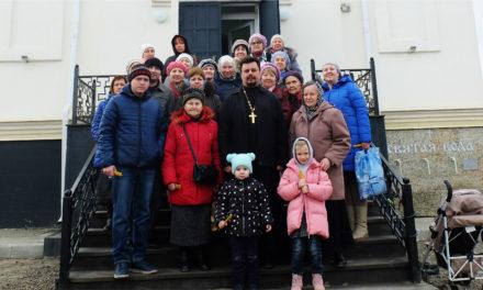 Прихожане Серафимовского прихода Таганрога совершили паломническую поездку в храм праведного Павла Таганрогского Матвеево-Курганского благочиния