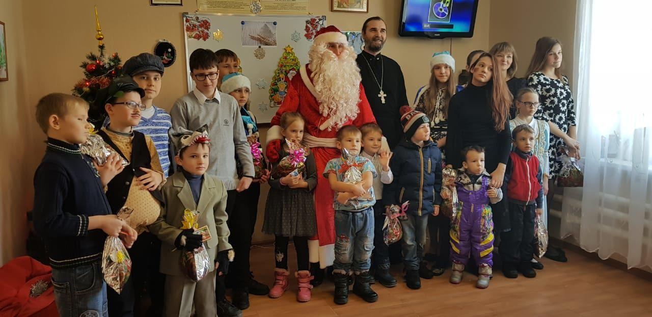 13 января в Воскресной школе Петропавловского прихода с. Приморка прошел праздник, посвященный Рождеству Христову.