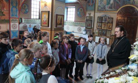 Храм Иерусалимской иконы Божией Матери посетили ученики средней школы № 6